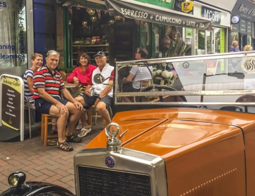 20160701 Touring - DS9936 Out with Trotts visiting Putney London England