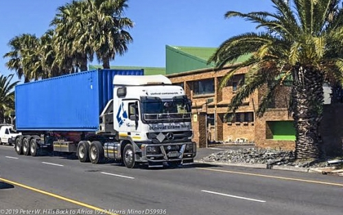 20191031.1 Container with Morris Delivered to Montague Gardens Cape Town RSA JR_6575