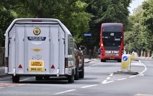 20190806 DS9936 Back to Africa UK Transporter following London Bus PH4 0592c